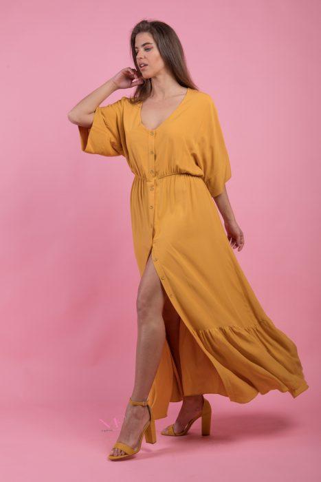 Κ19-20716 Ώχρα Φόρεμα maxi σεμιζιέ σε voile ύφασμα, εβαζέ γραμμή, V - λαιμόκοψη