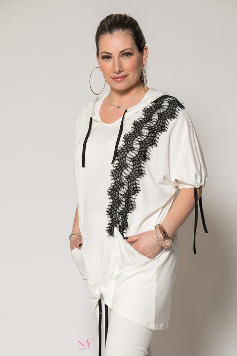 Κ19-90219 Λευκή Μπλούζα με κουκούλα,και τσέπες με τρέσα