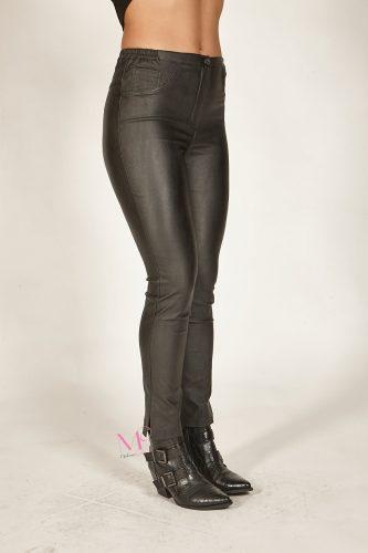 20-80090 Μαύρο Παντελόνι 5τσέπο δερματίνη Μαύρο ελαστικό με λάστιχο στα πλαϊνά.