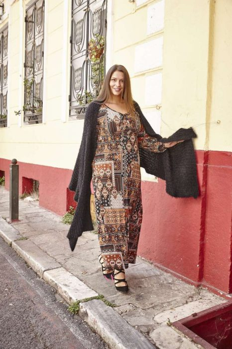 20-20511 Φόρεμα maxi Καφέ σε άλφα γραμμή από s.jersey ύφασμα με V-λαιμόκοψη